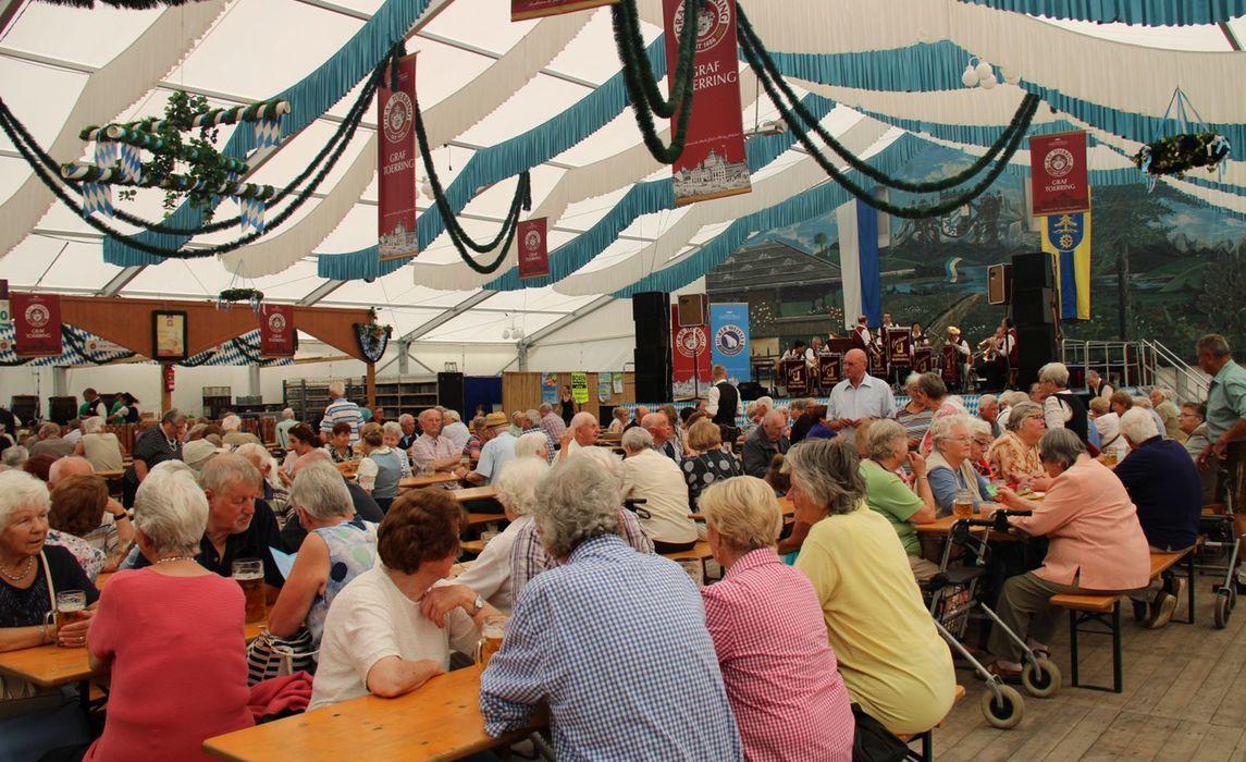 Volksfest 2019 Seniorennachmittag Kinderbackstagefuehrung002