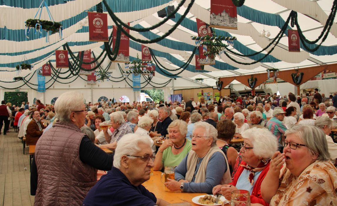 Volksfest 2019 Seniorennachmittag Kinderbackstagefuehrung004